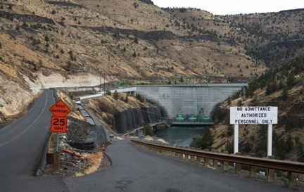 Pelton Dam is the second dam in the three dam complex that forms the Pelton-Round Butte Hydroelectric Complex Photo by Greg McMillan