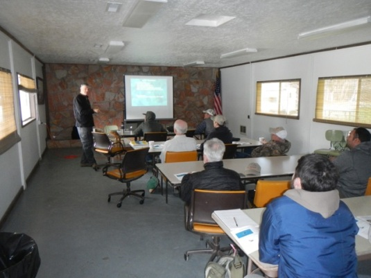 Rick Hafele providing training for adult aquatic insect hatch observers. Photo by Greg McMillan.